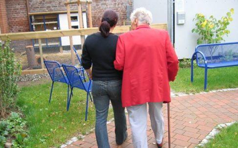 Opieka nad seniorami w dobie epidemii