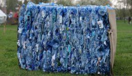 Jak walczyć z odpadami z plastiku?